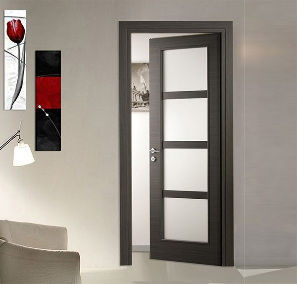 Laminated door with satin glass