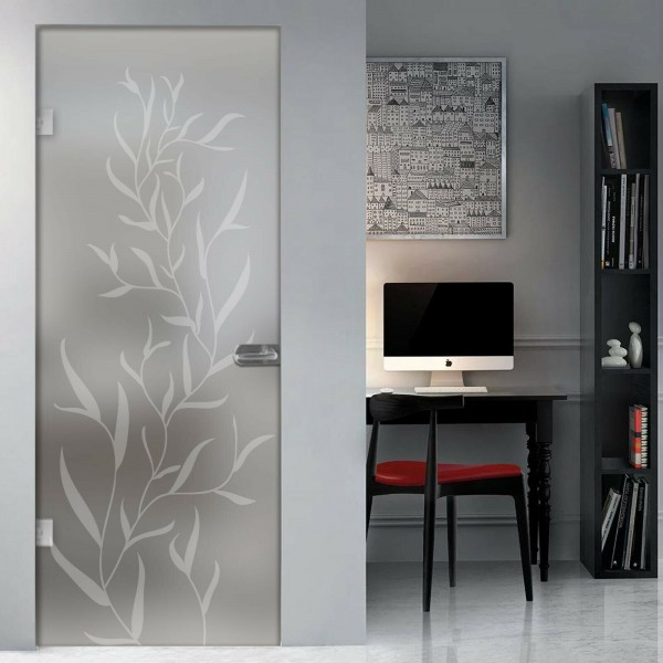 Swing door with satin glass or drawings