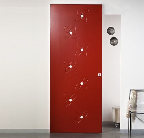 External wall sliding door with invisible lacquered rail