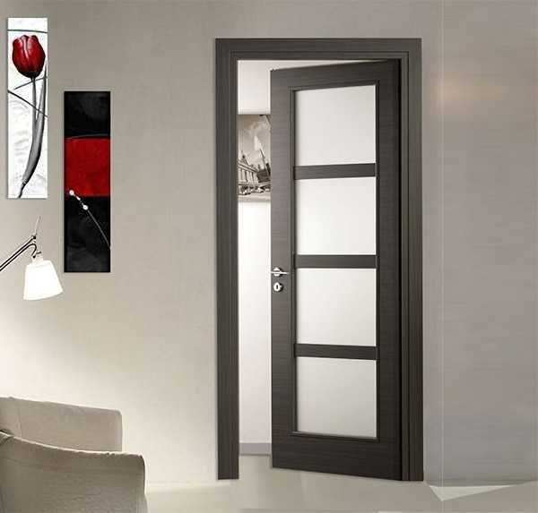 Laminated door with satin glass