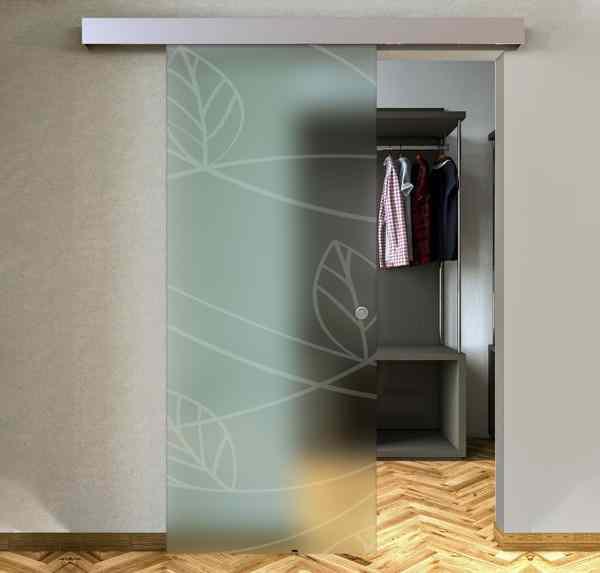 External satin sliding doors with sandblasted design