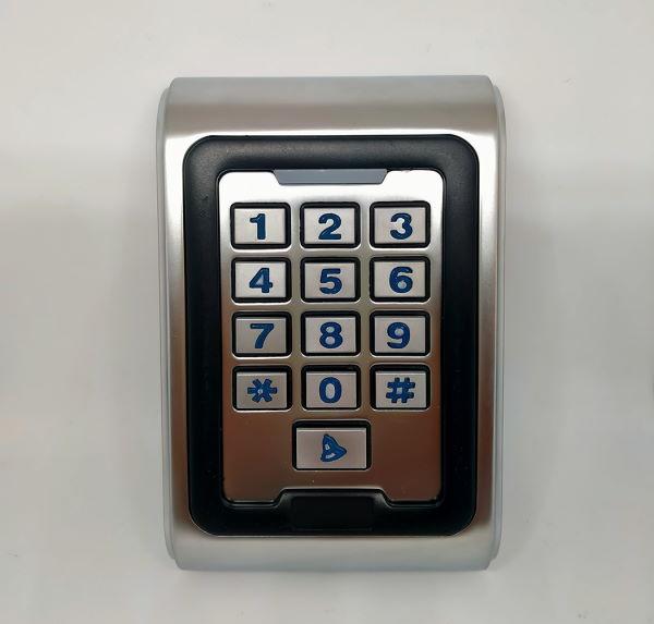 controllo accessi RFID e tastierino
