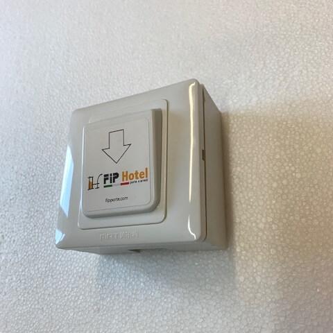 porta badge personalizzati risparmio energetico