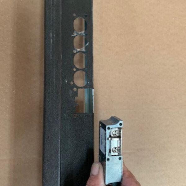 riscontro elettrico per porta