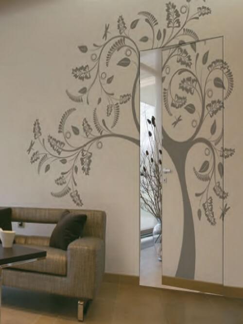 porte invisibile dipinta come la parete