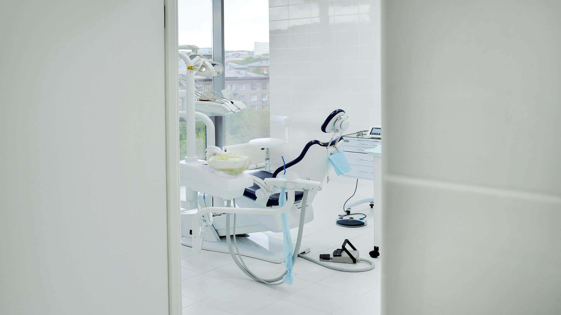 porte per studi dentistici con lamina di piombo