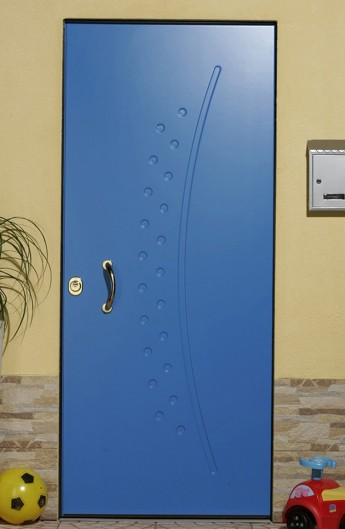 Soundproof armored door with magnetic contact