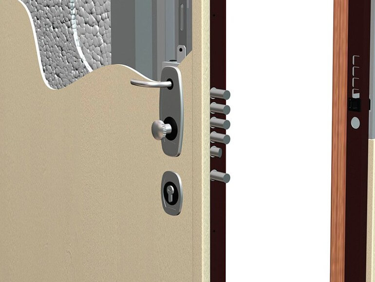 armored door with internal insulation