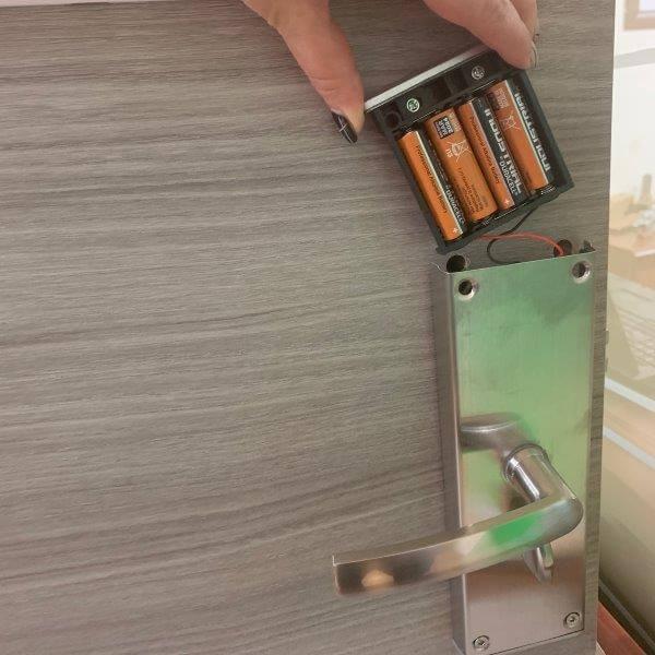 electronic hotel lock